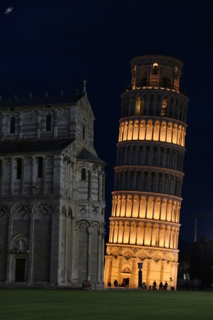 The Leaning Tower at night! Stunning