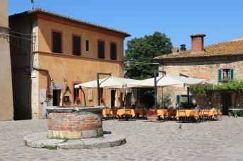 Square in Monteriggioni