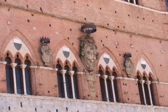 The Medici family crest on a building