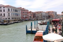 View crossing the Rialto Bridge