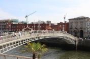 The Ha'penny bridge across the River Liffey