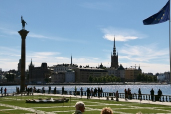 View from the Town Hall forecourt across the lake