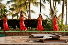 Gorgeous dancers at Paradise Cove