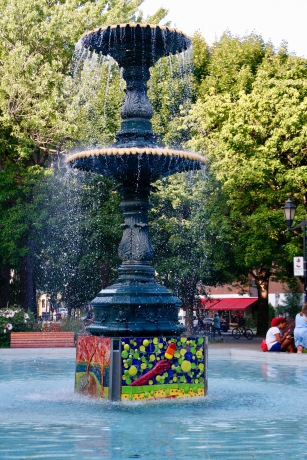 Montreal - gorgeous fountain